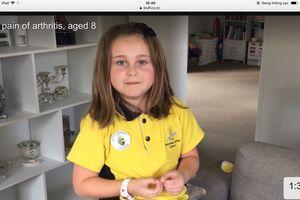 Cô bé 8 tuổi mắc chứng bệnh của người lớn tuổi