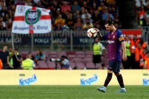 Một cầu thủ nhận thẻ đỏ, Barcelona bị cầm hòa tại Nou Camp