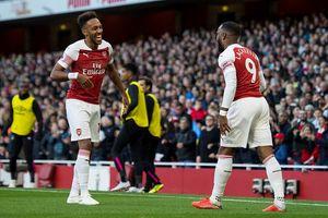 Ngoại hạng Anh: Lacazette và Aubameyang nâng bước Arsenal