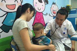 Tiêm chủng và chăm sóc sau tiêm cho trẻ nhỏ