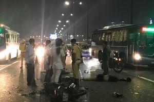 Tai nạn chết người trên cầu Sài Gòn, nạn nhân chạy xe máy vào làn ô tô