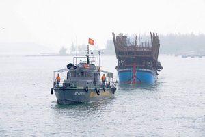Tàu cá Bình Định mất liên lạc 10 ngày trên biển