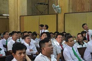 Hàng trăm tài xế Vinasun đến phiên xử để gây 'áp lực' lên tòa án