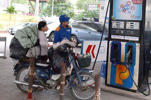 Tăng thuế bảo vệ môi trường xăng dầu: Ai bị thiệt hại nặng nhất?