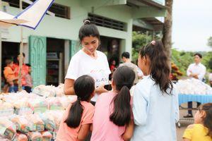 Trang lạ cùng già làng Đặng Xuân Dung lần đầu đứng ra tổ chức đón Trung Thu cho trẻ em ở vùng Gia Kiệm, Đồng Nai