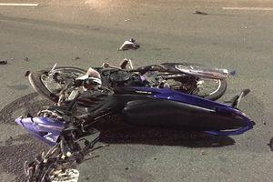 Chạy xe máy vào làn ô tô, đôi nam nữ tử vong khi đâm vào xe tải trên cầu Sài Gòn