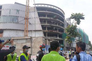 TP.HCM: 3 công nhân nguy kịch sau khi rơi từ tầng cao công trình trung tâm thương mại