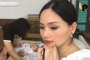 Con gái 4 tháng tuổi của Lan Phương liên tục ê a phàn nàn vì chờ mẹ make up quá lâu