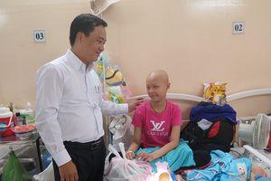 Mang tết trung thu đến cho bệnh nhi ung thư