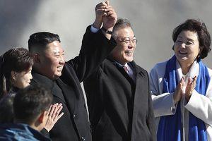 Thay đổi sau 1 năm sau khi ông Trump dọa 'phá hủy' Triều Tiên