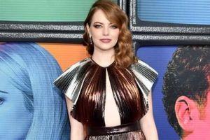 Emma Stone đẹp nhất tuần với đầm ánh kim