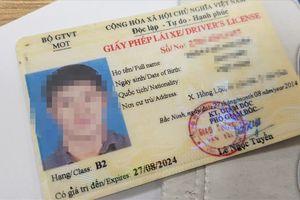 Đề xuất 'trừ điểm' vào bằng lái xe vi phạm: Người dân băn khoăn điểm trừ liệu có thể bị can thiệp?