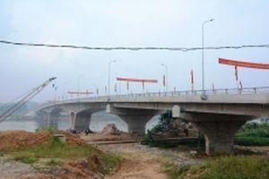 Thông xe kỹ thuật cầu Tuần Quán vượt sông Hồng tại TP Yên Bái