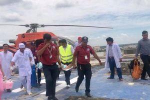 Bệnh viện Chợ Rẫy Phnom Penh lần đầu đón bệnh nhân đến khám bệnh bằng trực thăng