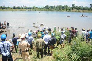 Tìm thấy thi thể thanh niên say rượu bơi qua sông