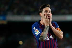 Ronaldo, Messi hứng búa rìu dư luận, thiếu tôn trọng FIFA