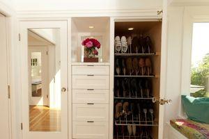 Thiết kế tủ giày thông minh cho căn hộ vừa tiện lợi lại đẹp mắt