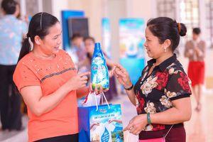 Comfort cùng người dân giúp lan tỏa thông điệp tiết kiệm nước