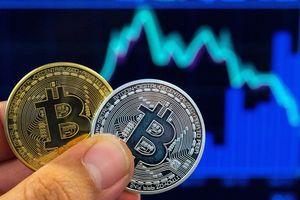 Rớt hơn 150 USD trong vài giờ sáng nay, Bitcoin vẫn chưa chạm đáy?
