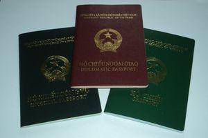 Cán bộ Hà Nội sử dụng hộ chiếu công vụ sai có thể bị xử lý hình sự