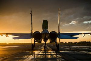 Tiêm kích tàng hình F-22 của Mỹ rơi vào tầm ngắm Su-35 Nga trên không phận Syria
