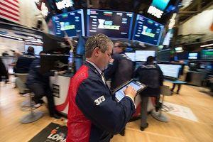Cuộc chiến thương mại vào giai đoạn mới, giới đầu tư lại lo lắng