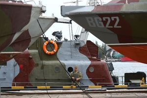 Sóng ngầm Ukraine – Nga kịch liệt tại biển Azov