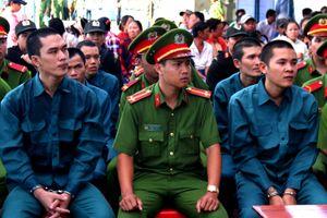 15 bị cáo tấn công trụ sở Cảnh sát PCCC ở Bình Thuận lĩnh án