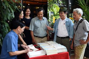 Nguyễn Ngọc Hạnh: Người mang thơ từ làng ra phố