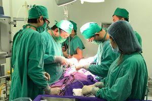 Quảng Ninh: Mổ cấp cứu cắt nang tuyến phổi khổng lồ thành công cho bệnh nhi 03 tháng tuổi
