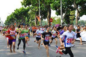 Dàn sao điền kinh Việt Nam thi chung kết giải chạy báo Hànôịmới