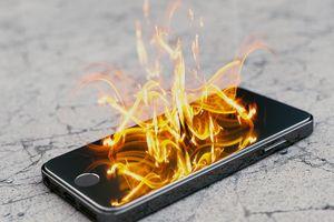 4 cách phòng, tránh cháy nổ khi sạc pin điện thoại di động không phải ai cũng biết