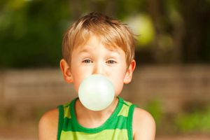 Nhai kẹo cao su không chỉ giúp sạch miệng mà còn giảm béo