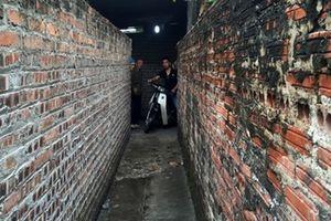 UBND huyện Đông Anh ban hành 2 văn bản có nội dung mâu thuẫn về 'đường rộng 0,85m'
