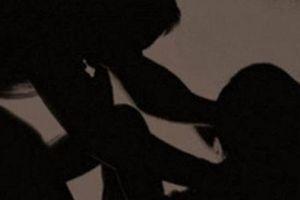 Bị họ hàng cưỡng hiếp ngay tại nhà riêng