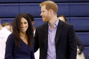 Công nương Meghan Markle đẹp rạng ngời, hạnh phúc bên Hoàng tử Harry