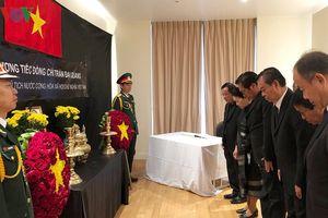 ĐSQ Việt Nam tại các nước mở sổ tang viếng Chủ tịch nước Trần Đại Quang