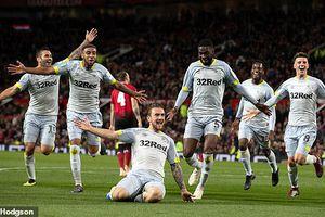 MU thua sốc đội hạng dưới, Mourinho đứng trước hiểm nguy