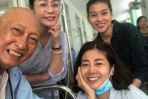 NS Lê Bình và Mai Phương quyên góp giúp đỡ soạn giả bị ung thư