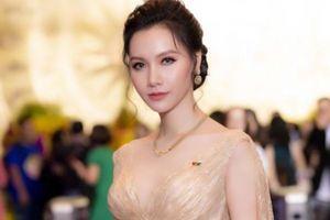 MC Minh Hà của VTV thu hút khán giả với gu thời trang thanh lịch