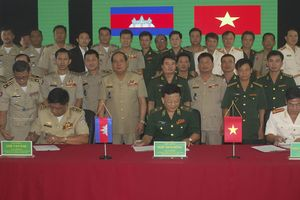 Phối hợp đấu tranh phòng, chống tội phạm ma túy khu vực biên giới Việt Nam – Campuchia