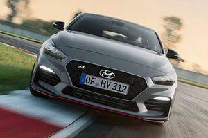 Xe gia đình Hyundai i30 Fastback N 2019 có gì hot?