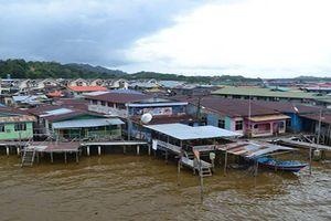 Tò mò cuộc sống trong 'ngôi làng nổi' kỳ lạ ở Brunei