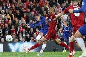 Chelsea loại Liverpool; Welbeck đưa Arsenal vào vòng bốn Cup Liên đoàn