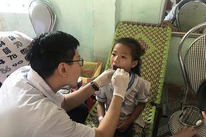 500 học sinh tiểu học được khám nha khoa miễn phí