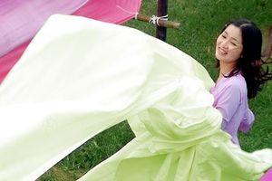 Mách chị em cách giặt và bảo quản áo dài