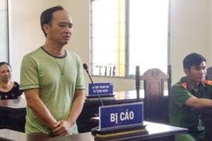 Lĩnh án tù vì xúc phạm Đảng, Nhà nước trên facebook