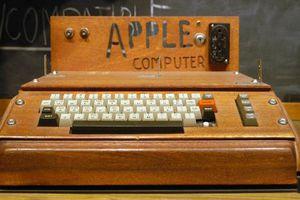 Thêm 1 chiếc Apple đời đầu bán được giá 375.000 USD
