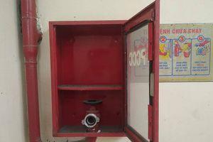 TP.HCM: Tiểu thương bất an với hệ thống PCCC ở chợ Văn Thánh