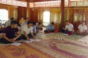 Huyện Quan Sơn - khi cán bộ gần dân, sát dân và hướng về cơ sở